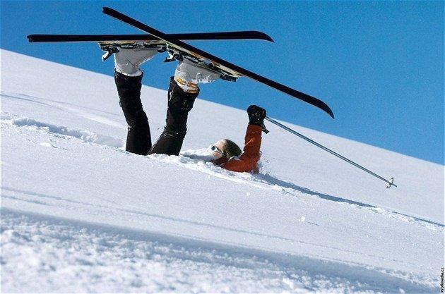 Naši sedmáci lyžují na sněhu!