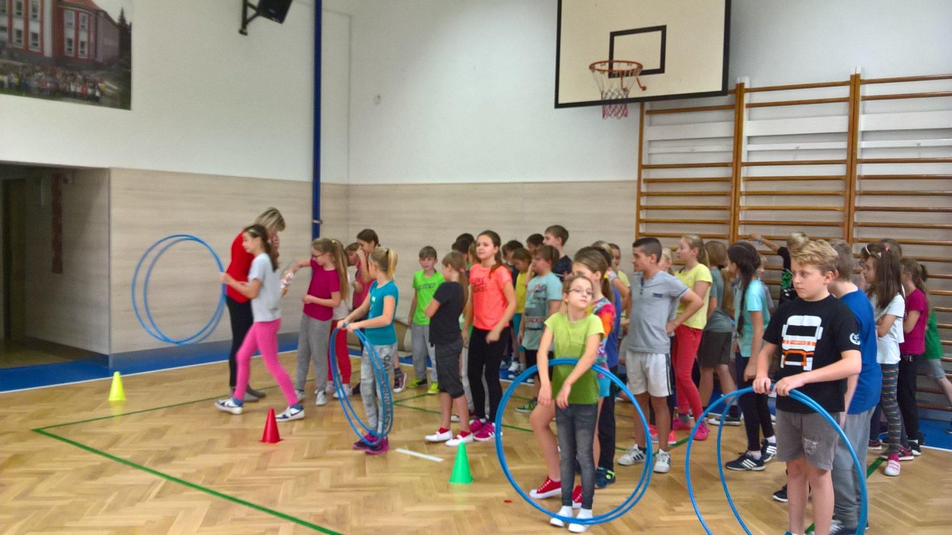 17. listopad - škola (nejen) sportem