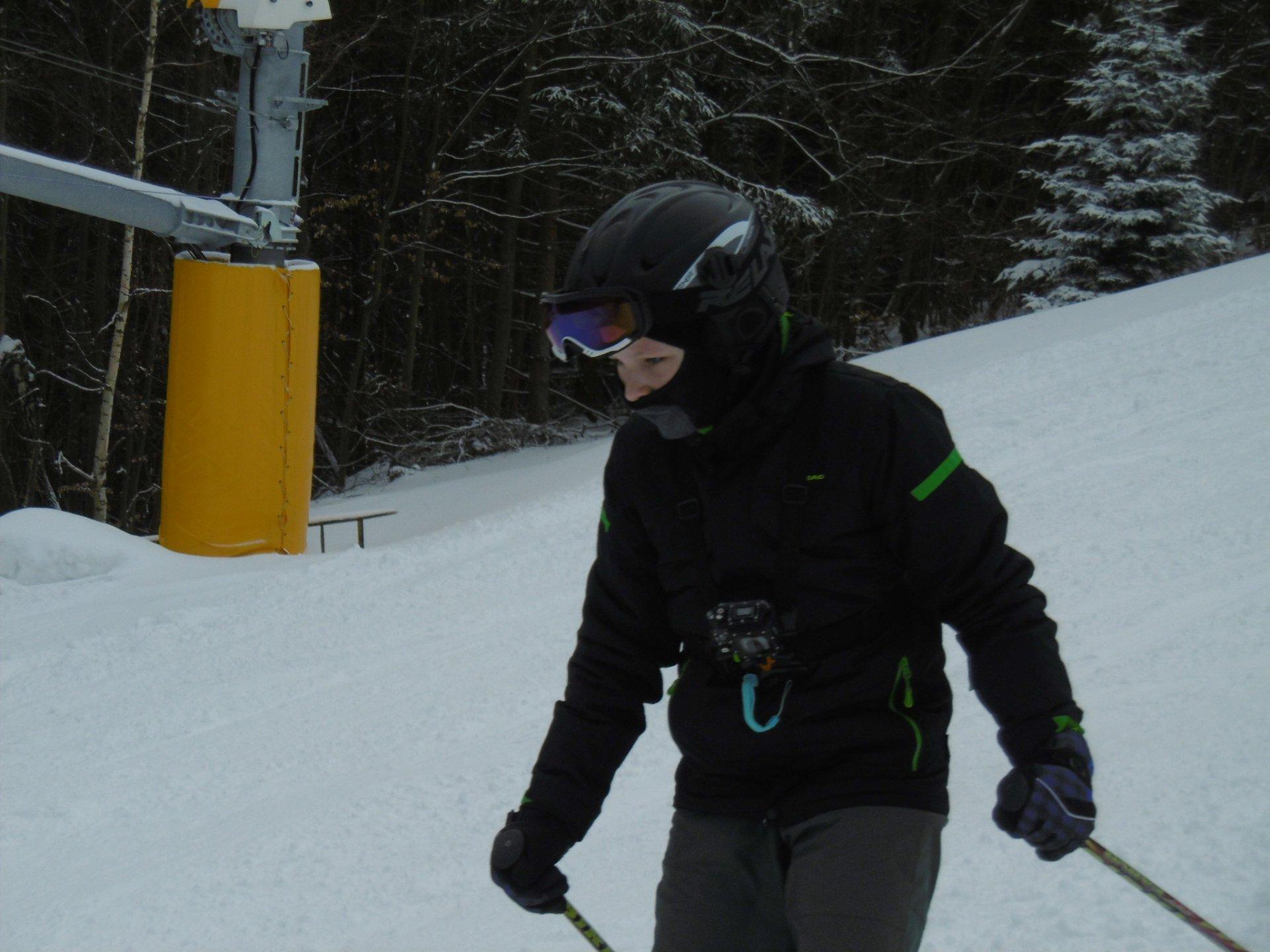 Zalyžařivší si lyžař vzpomíná